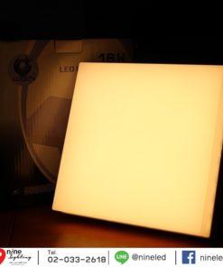 ดาวน์ไลท์ LED ติดลอยหน้าเหลี่ยม 18W (วอร์มไวท์) IWACHI